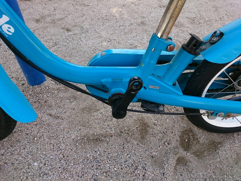 ペダルを外した子供用自転車